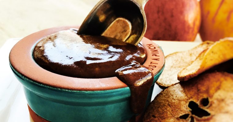 Healthy chocolate dip – dairy and refined sugar free